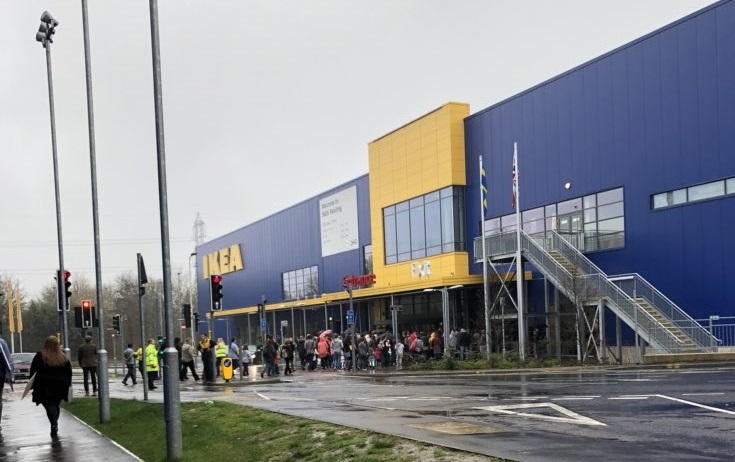 ikea shoppers stuck in car park after reading store evacuated getreading. Black Bedroom Furniture Sets. Home Design Ideas