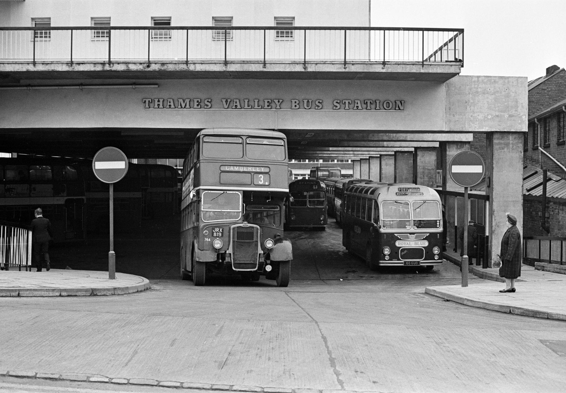 Reading-busstation1969