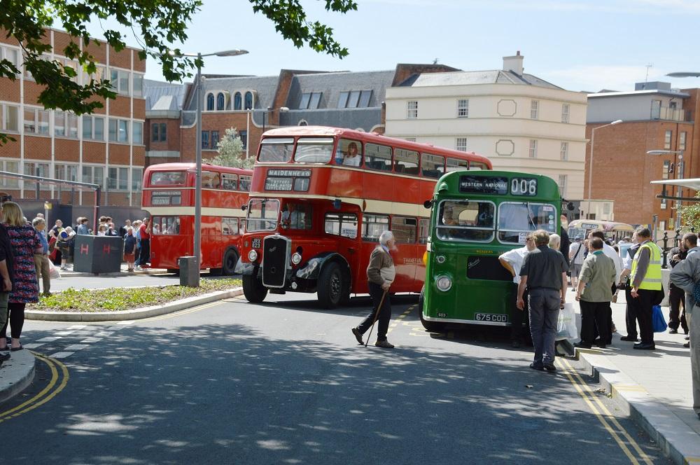 Vintage-Buses-_310518--1-