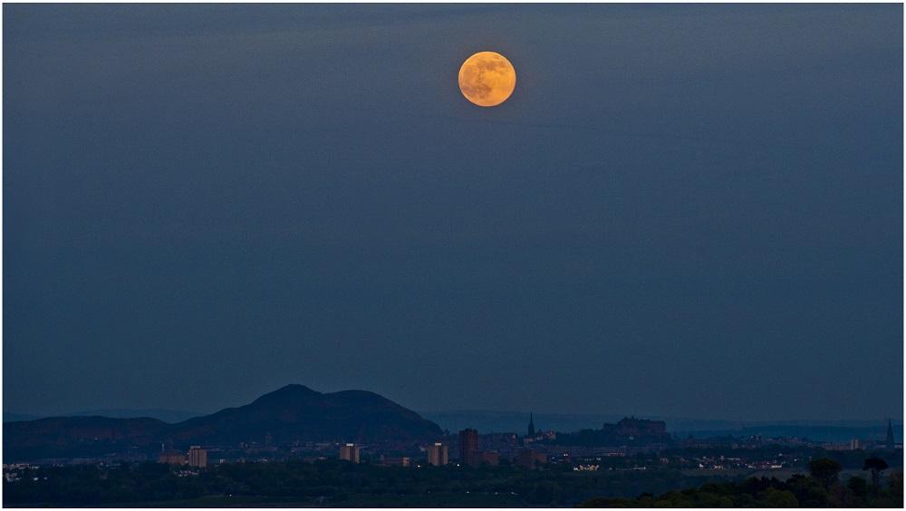 flower-moon-scotland-_300518
