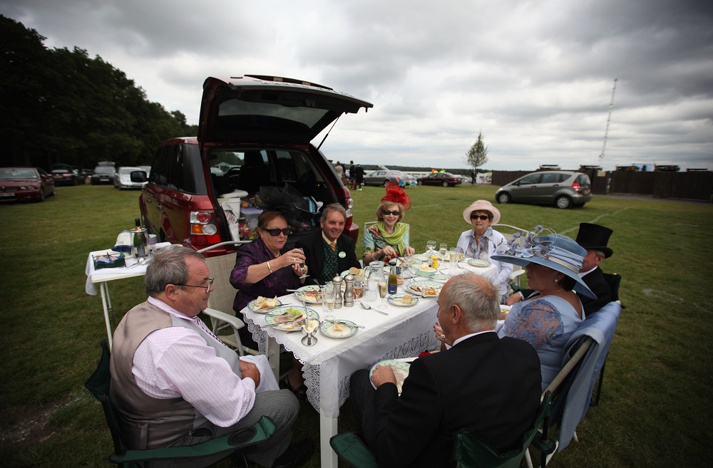 royal-ascot-car-park-picnic-_220518
