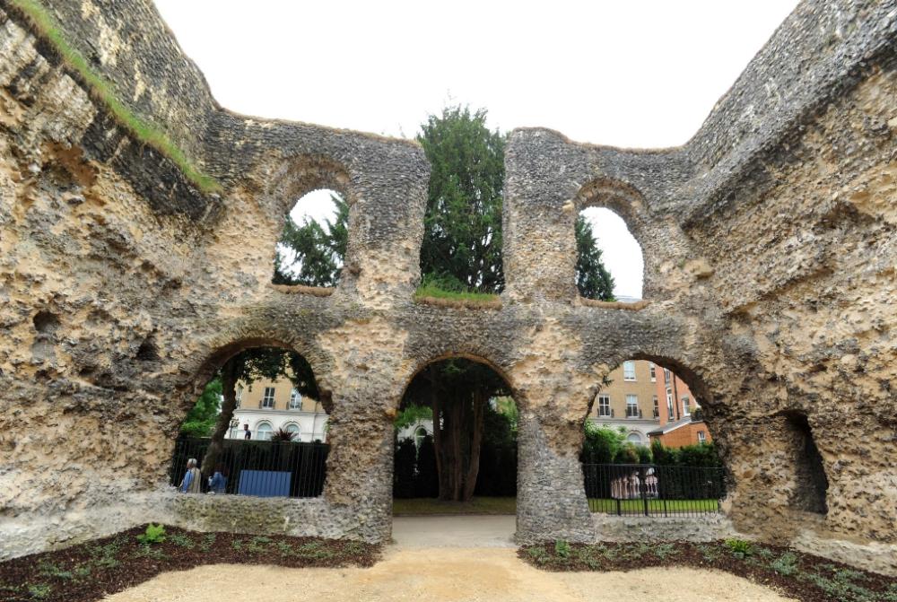 Abbey-Ruins-_070618--23--3