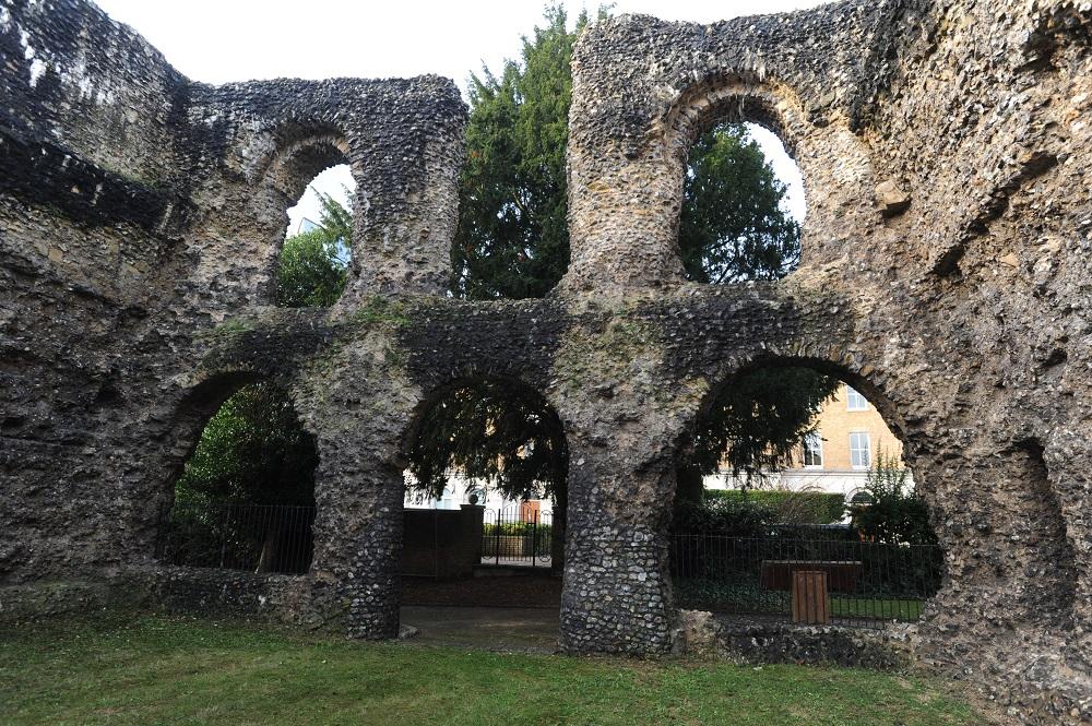 Abbey-Ruins-_200418