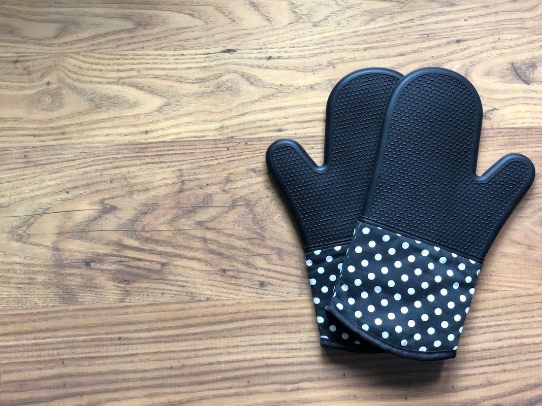 Magic-silicone-oven-gloves