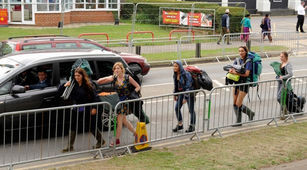 Reading-Festival-fans-14-_240718-1