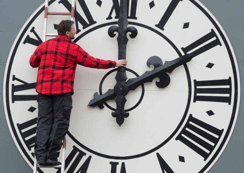 When-do-the-clocks-go-back-in-the-UK--2