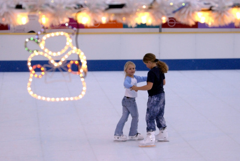 The-best-sheltered-outdoor-Ice-Skating-rinks-you-can-visit-in-the-UK-2