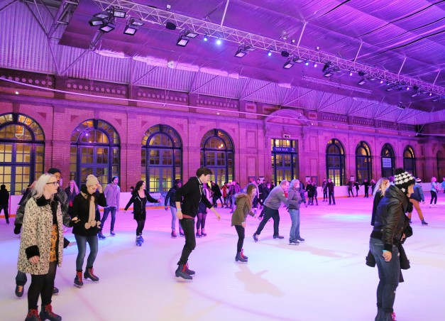The-best-sheltered-outdoor-Ice-Skating-rinks-you-can-visit-in-the-UK-5