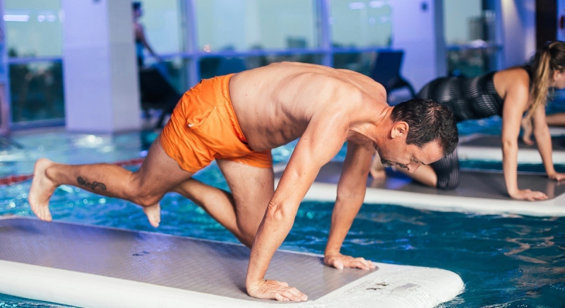 Why-a-HIIT-workout-on-a-floating-board--in-Stratford--is-the-fun-fitness-antidote-to-a-day-s-work-in-Canary-Wharf--The-Wharf--5