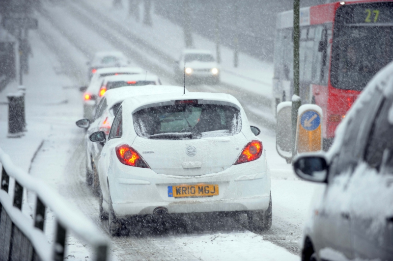 How-drivers-can-stay-safe-on-the-roads-as-ice-and-snow-hits-the-UK5
