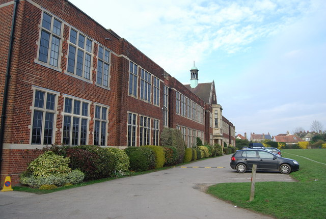 Top-10-UK-Grammar-Schools-2018---According-to-GCSE-League-Tables-queen-elizabeths-school