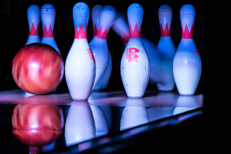 X-fun-things-to-do-with-your-kids-in-Bedfordshire-bowling