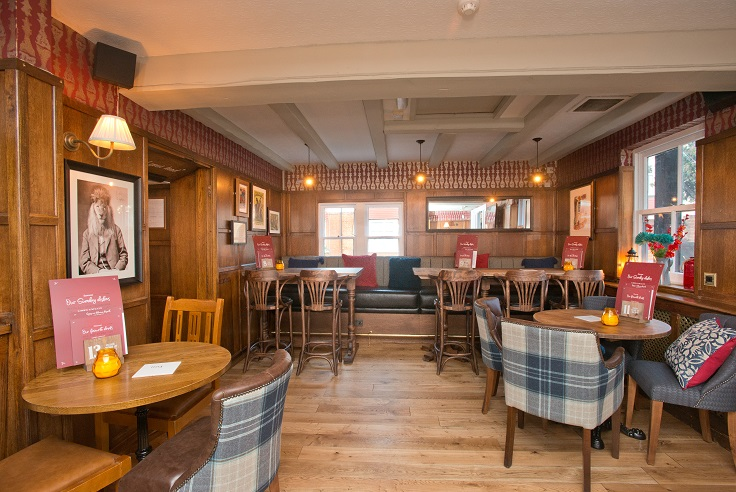 Ye-Olde-Red-Lion-to-reopen-after--150-000-investment1