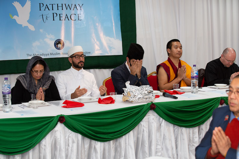 Faith-leaders-come-together-in-Feltham-to-promote-peace-4