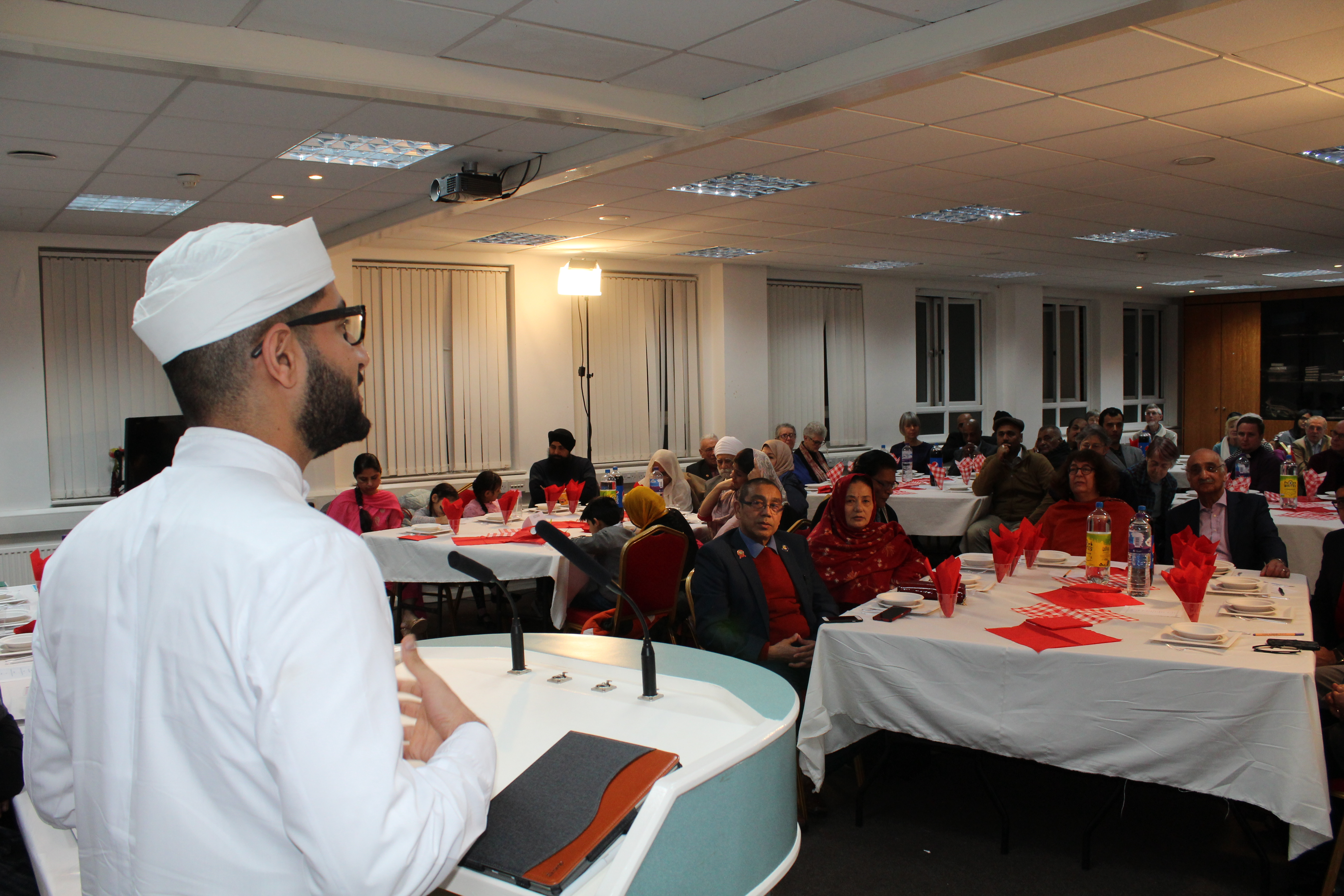 Faith-leaders-come-together-in-Feltham-to-promote-peace1
