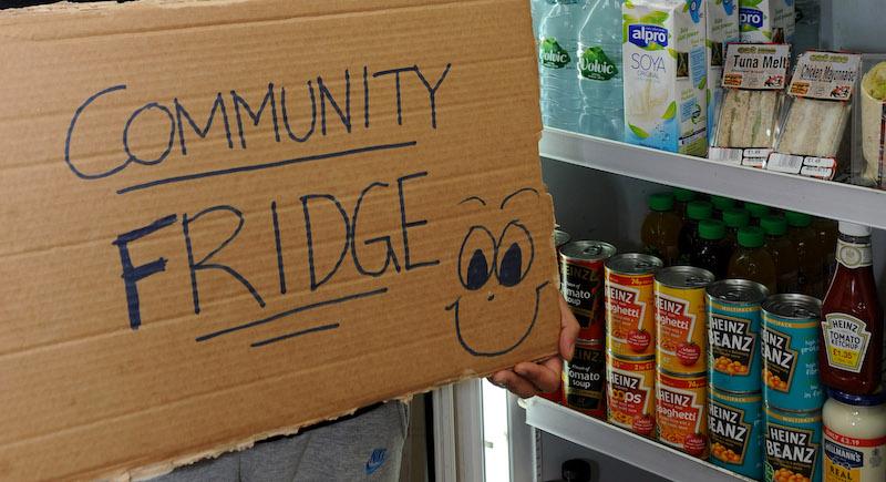 New-Community-Fridge-opens-in-Polloksheilds-1