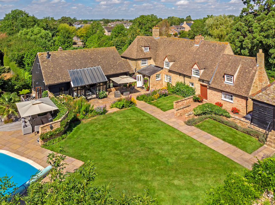 The-10-Most-Expensive-Homes-Being-Sold-in-East-Anglia-this-month-middle-watch