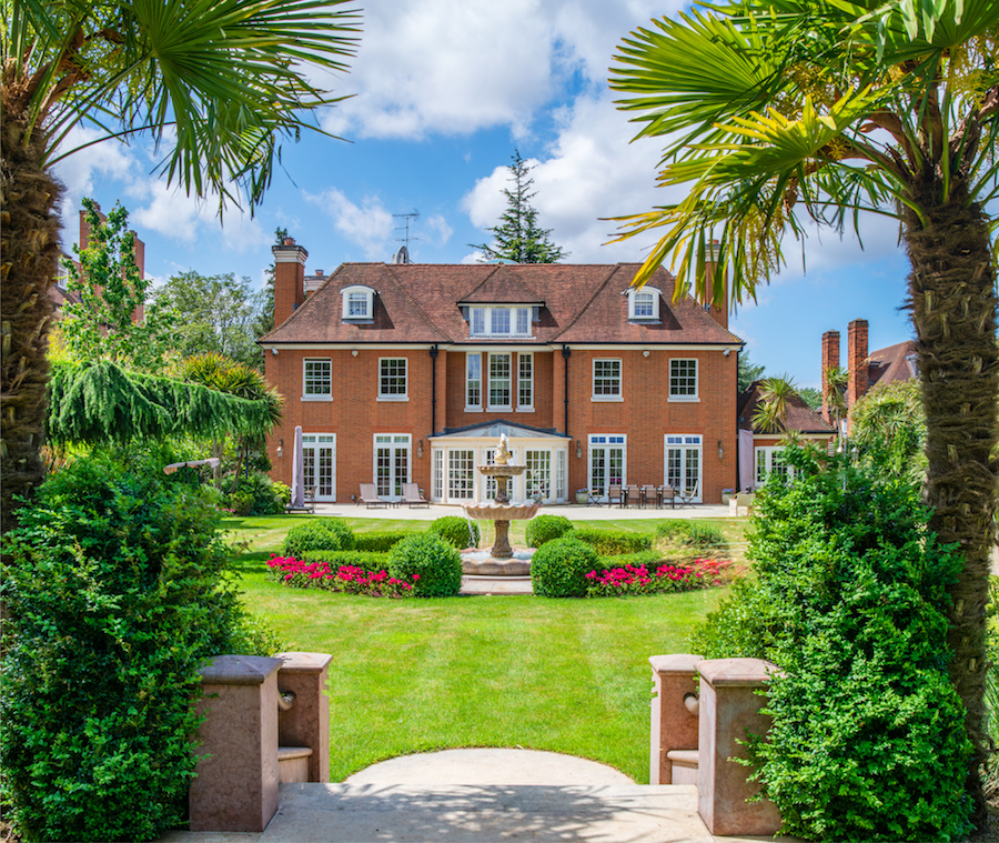 The-10-Most-Expensive-Homes-Being-Sold-in-London-this-month-winnington-road2