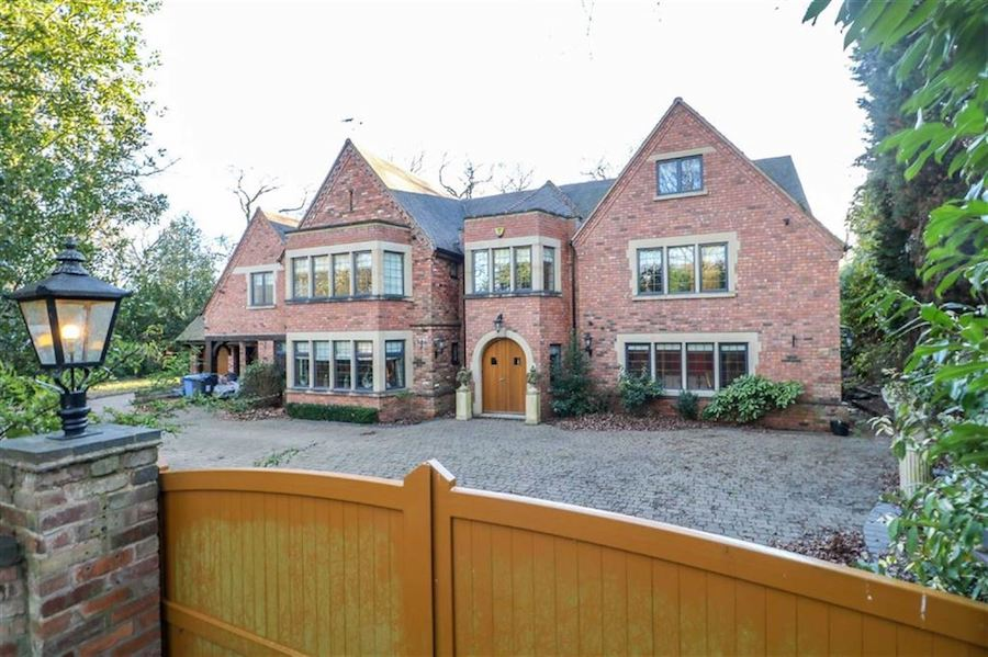 The-10-Most-Expensive-Homes-Being-Sold-in-The-West-Midlands-in-March-2019-bracebridge-road