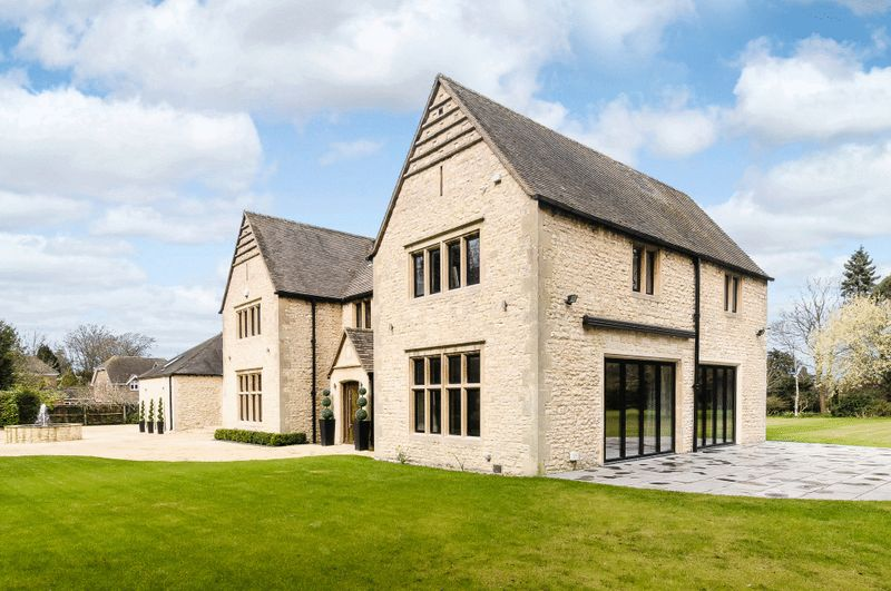 The-10-Most-Expensive-Homes-Being-Sold-in-The-West-Midlands-in-March-2019-charlton-park