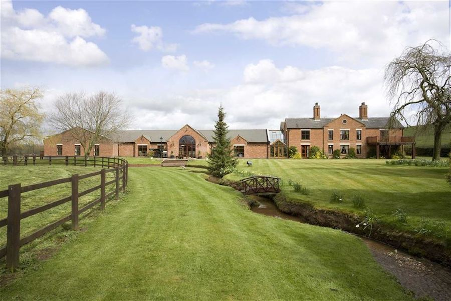 The-10-Most-Expensive-Homes-Being-Sold-in-The-West-Midlands-in-March-2019-willoughbridge-lane