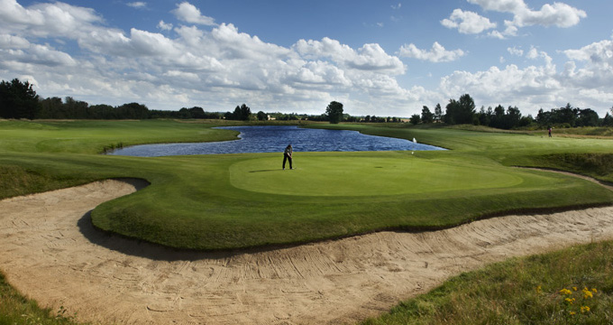 10-Best-Golf-Courses-in-Berkshire-2019-Castle-Royal