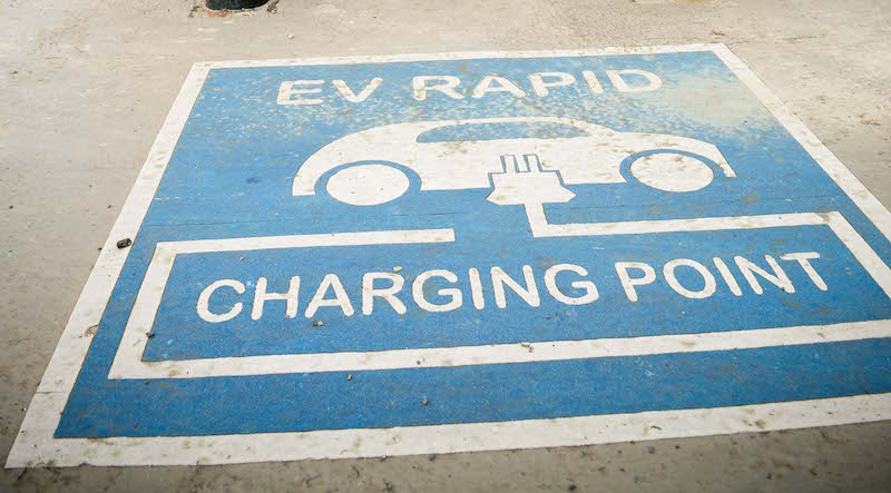 No-charging-points-for-encouraged-electric-cars-in-Surrey---the-ayrshire-post