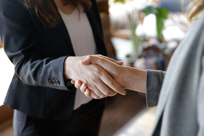 Top-tips-for-using-the-right-body-language-during-interviews