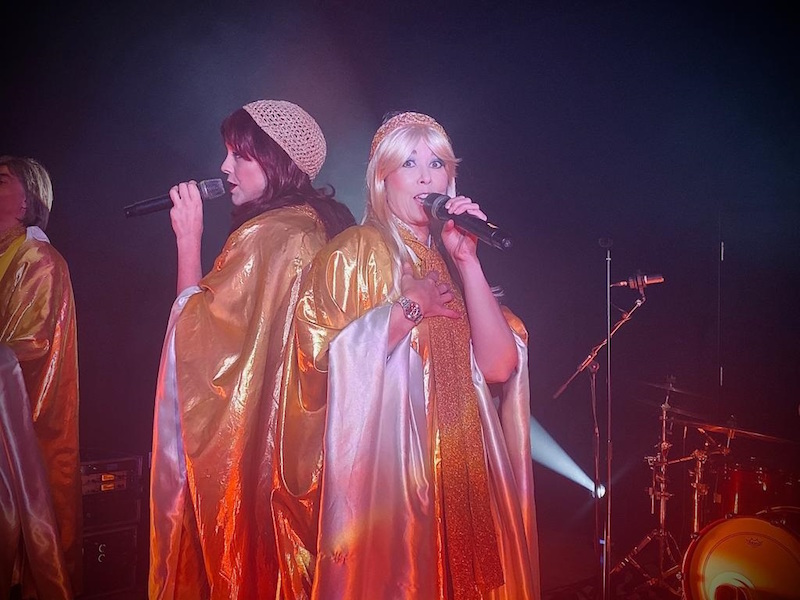 -Super-troupers--host-ABBA-fundraiser-in-memory-of-fellow-RAF-officer2