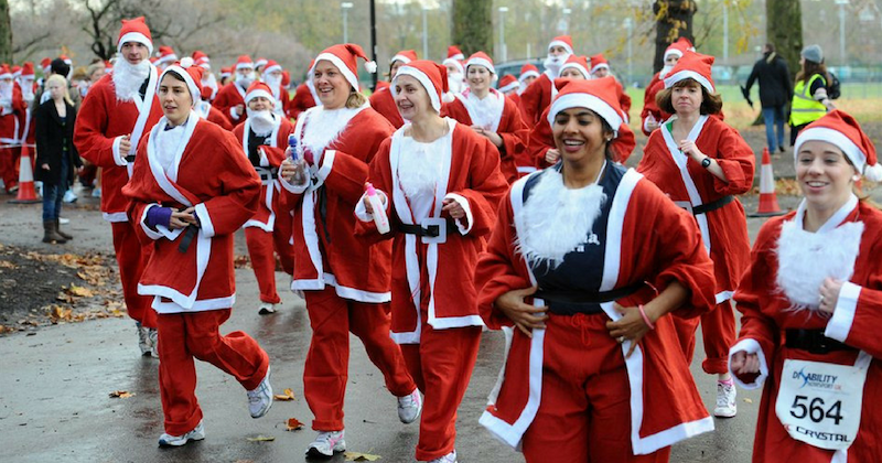 Raise-funds-for-cancer-at-London-s-biggest-Santa-Run-1