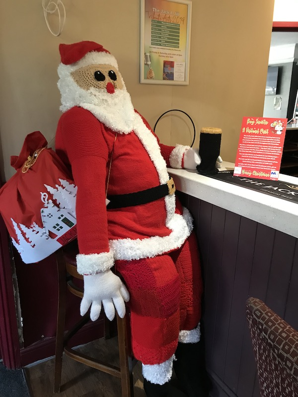 Crafty-Knit-Wits-Santa-helps-by-fundraising-for-two-deserving-causes-1