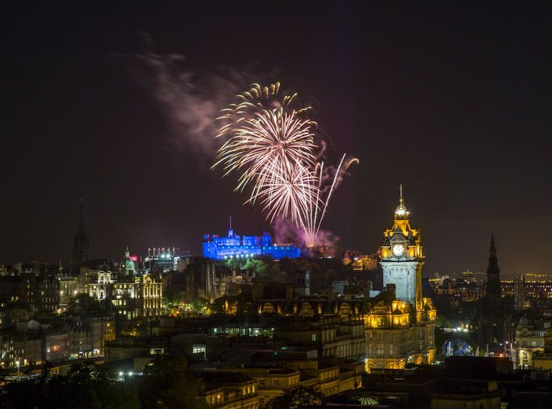 The-ultimate-guide-to-New-Year-s-Eve-celebrations-in-the-UK-2-2