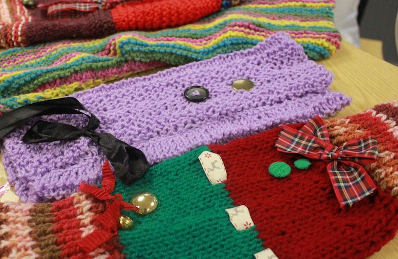Bristol-community-twiddling-their-thumbs-for--Twiddlemuff--initiative2