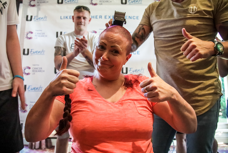 Inspirational-mum-fights-for-Cancer-Research-at-charity-boxing-event