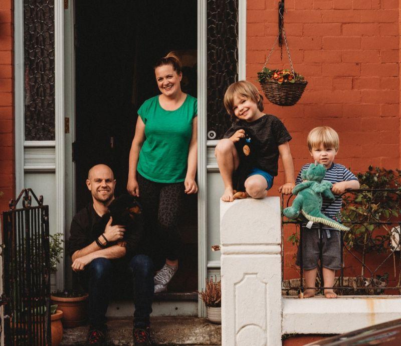 Doorstep photography in Liverpool raises money for NHS | InYourArea  Community