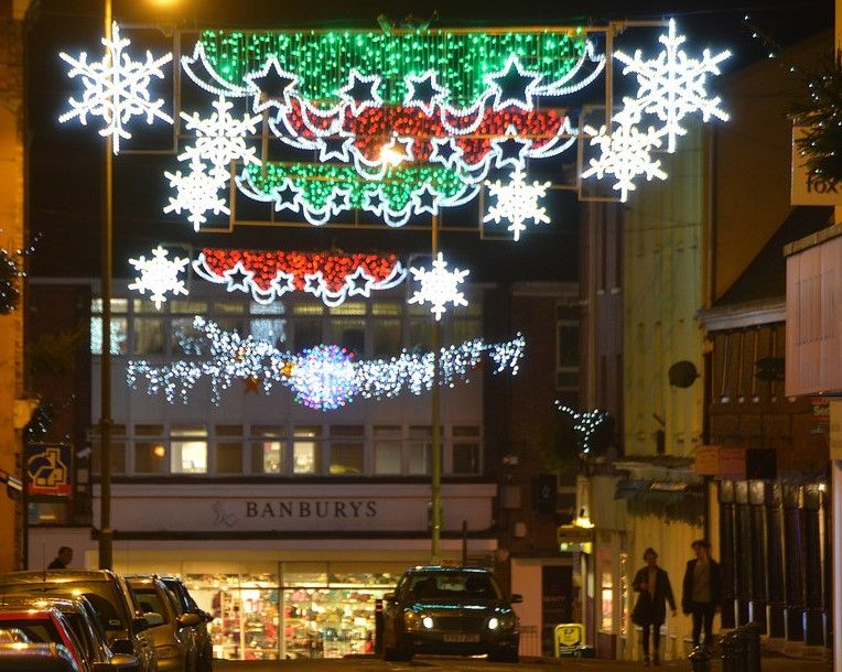 Free parking to encourage Mid Devon shoppers to stay local this Christmas |  InYourArea News