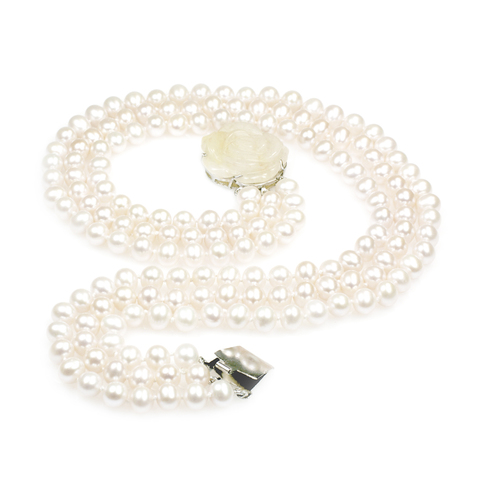 Snow White freshwater pearl necklace