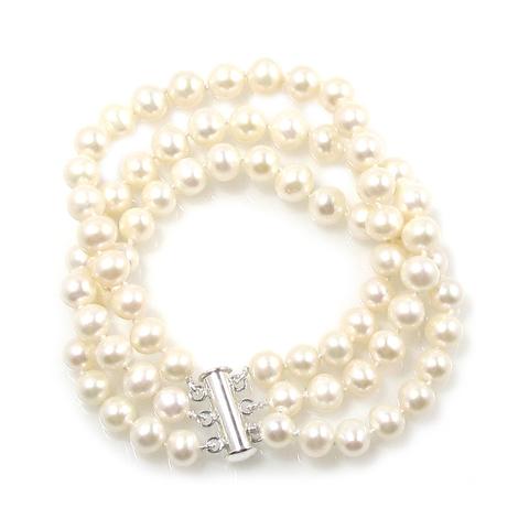 Snow White freshwater pearl bracelet