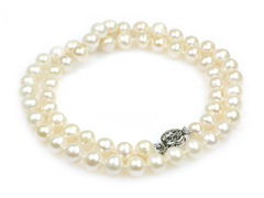 Katie princess - classic single strand pearl necklace with pique a jour clasp. Ideal as birthday or graduation gift