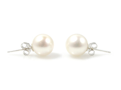 Lucy Royale large freshwater pearl ear studs 9mm