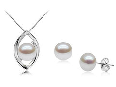 Bridesmaids set deal - clara bow pearl pendant and bette davis pearl ear studs