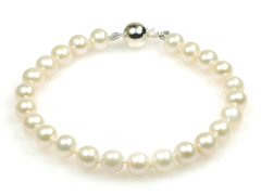 Angelina - classic single strand pearl bracelet made with best quality AAA cream freshwater pearls, perfect bridal pearls or wedding pearls