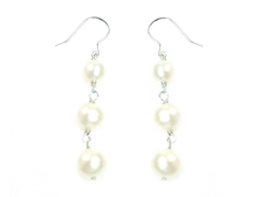 Lulu Neige - Lovely three round pearl dangling earrings with silver wire hooks