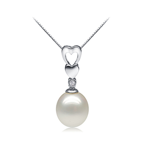 Hedy Lamarr - pearl pendant with elegant heart shaped silver zirconia base design