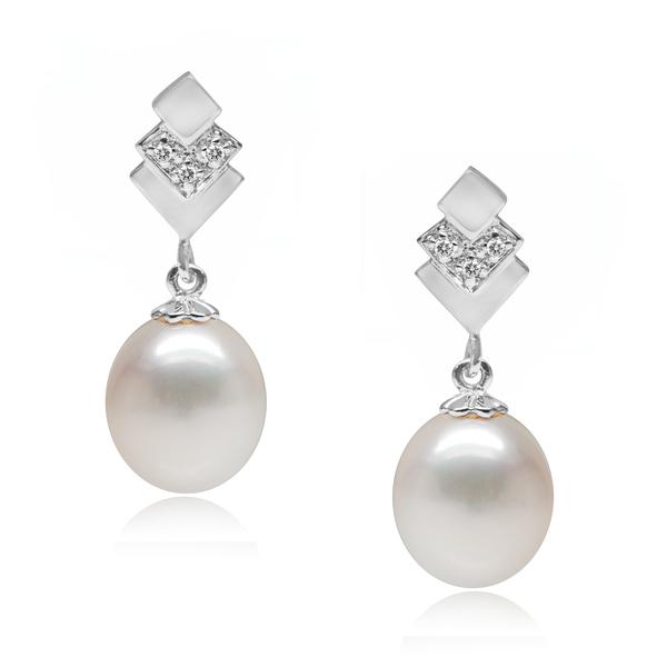 Dorothy Lamour pearl earrings