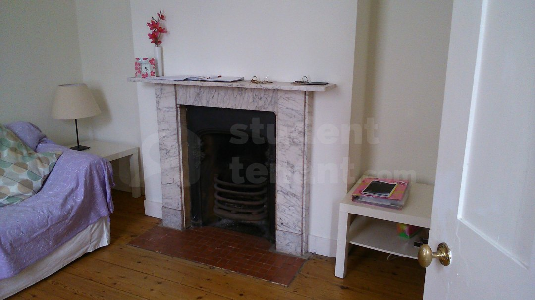 3 Bedroom Student House In Whitstable Road Canterbury