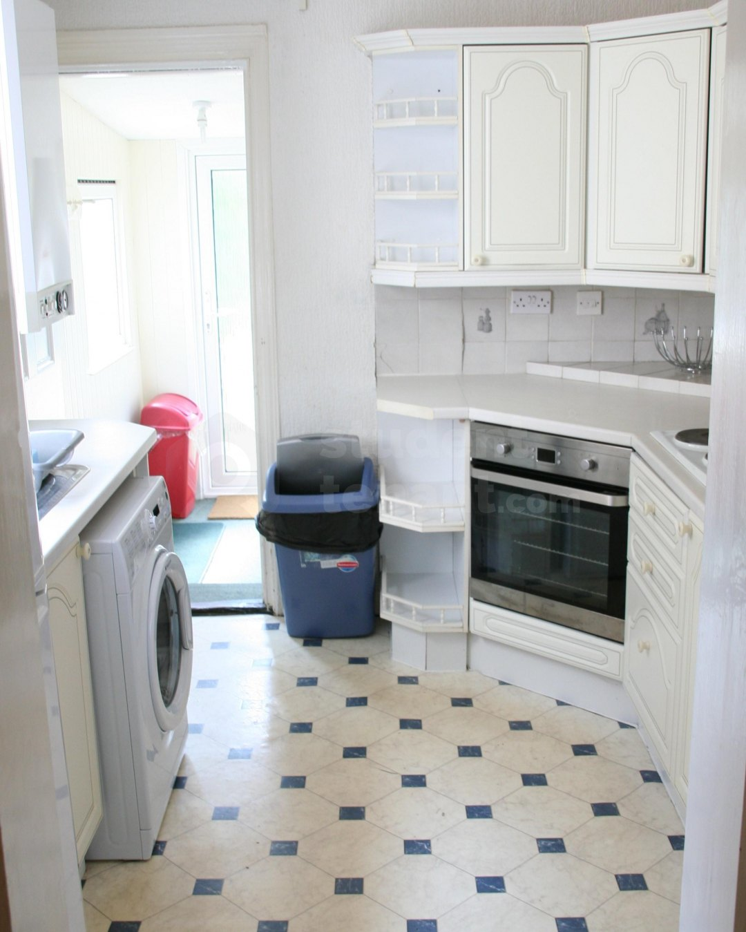 4 Bedroom Student House In Guildford Road Canterbury Ct1