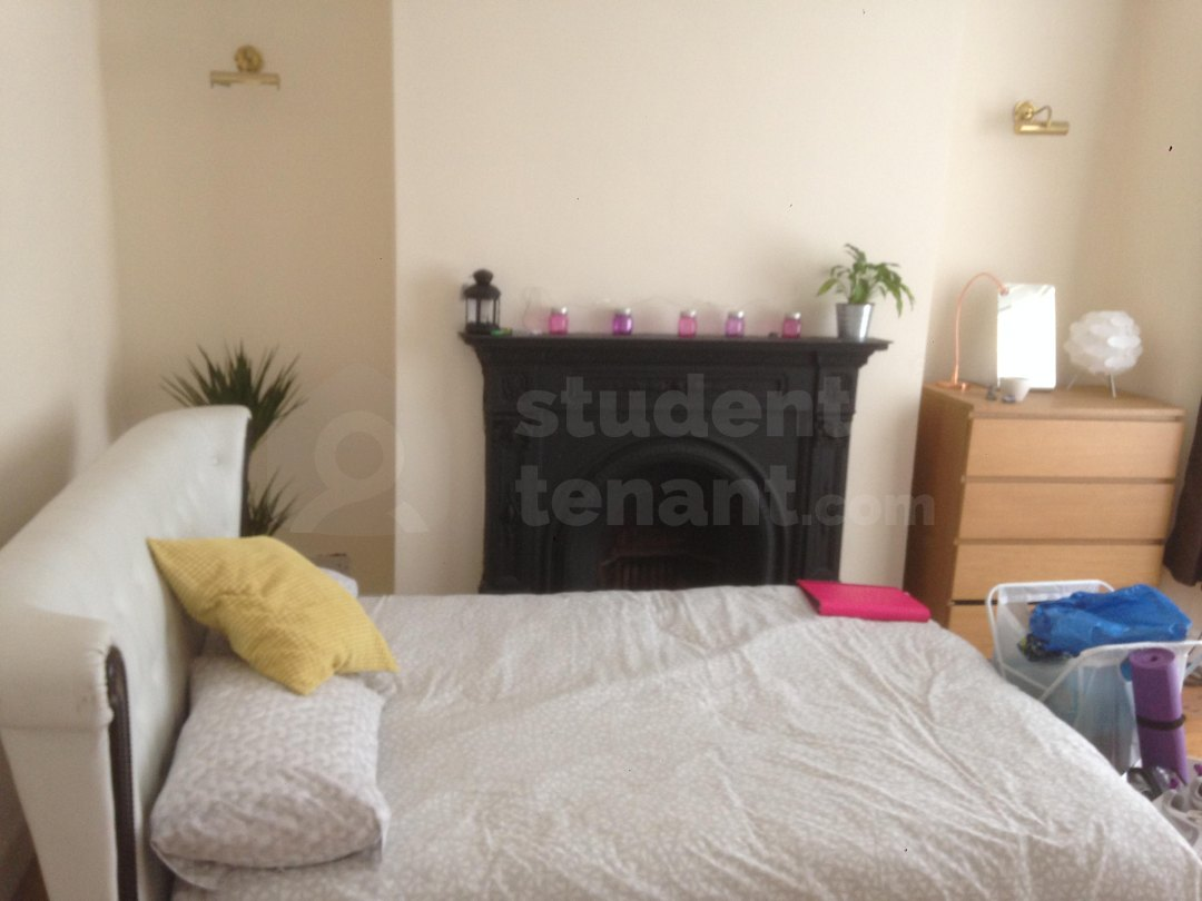 4 Bedroom Student House in Lidderdale Road, Liverpool, L15 ...