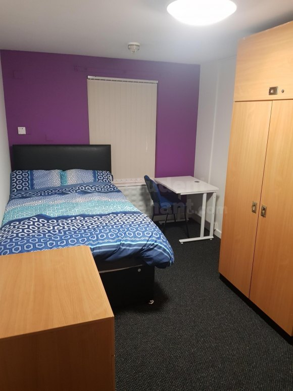 4 Bedroom Student House in Pembroke Place, Liverpool, L3 ...