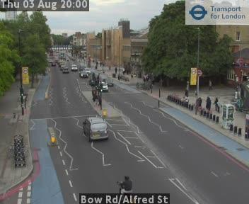 Bow Road / Alfred Street traffic camera.